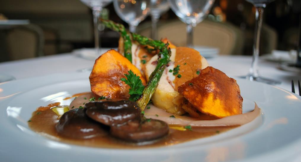 Restaurante caf royalty c diz cocina tradicional for Articulos para restaurantes